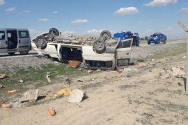 Ereğli'de tarım işçilerini taşıyan minibüs devrildi: 2 ölü, 6 yaralı