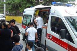Hafif ticari aracın çarptığı 4 yaşındaki çocuk yaralandı