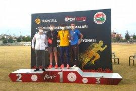 Karamanlı Atlet Şalkacı'dan Altın Madalya