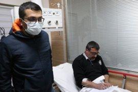 Tartışan hasta yakınlarına müdahale eden güvenlik görevlisi bıçaklandı