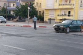 Karaman'da Feci Kaza! Araç Hurdaya Döndü