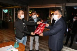 Kovid-19 tedbirlerine uyan işletmeler ödüllendirildi