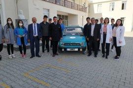 Lise öğrencileri güneş enerjili araç tasarladı