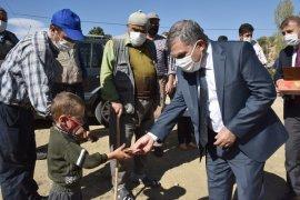 Karaman Valisi Işık, köy ziyaretleri gerçekleştirdi