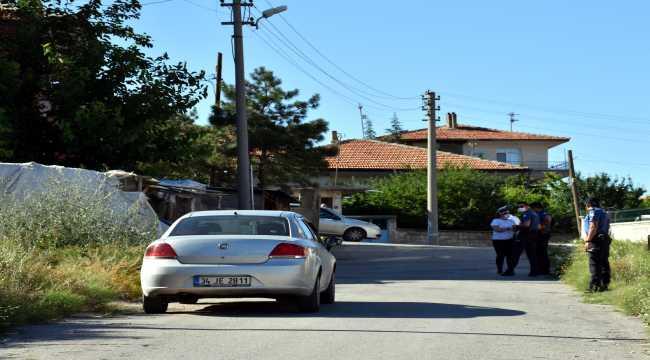 Hastaneye gitmemek için direnen Kovid-19 şüphelisi çocuk ikna edildi