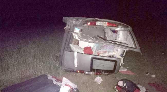 Sivas'ta hafif ticari araç devrildi: 4 yaralı