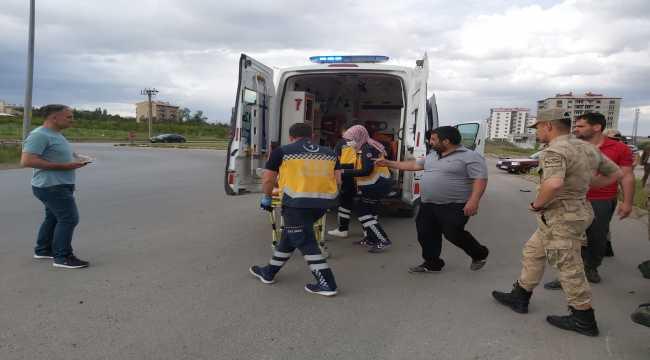 Sivas'ta otomobil ile motosiklet çarpıştı: 2 yaralı