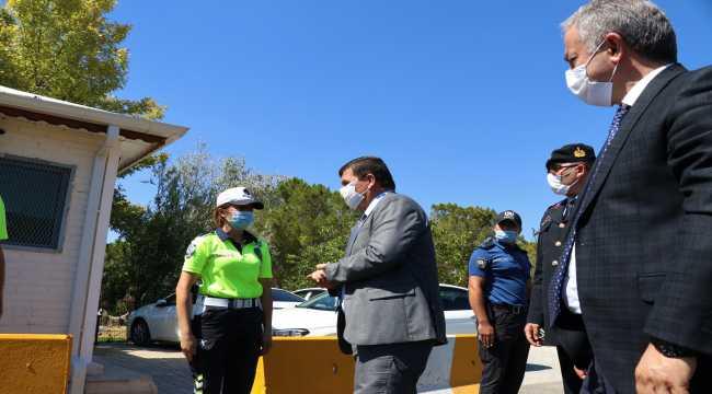Burdur Valisi Arslantaş, güvenlik güçleriyle bayramlaştı