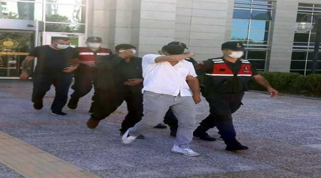 Kendilerini jandarma olarak tanıtıp dolandırıcılık yapan 4 kişi tutuklandı