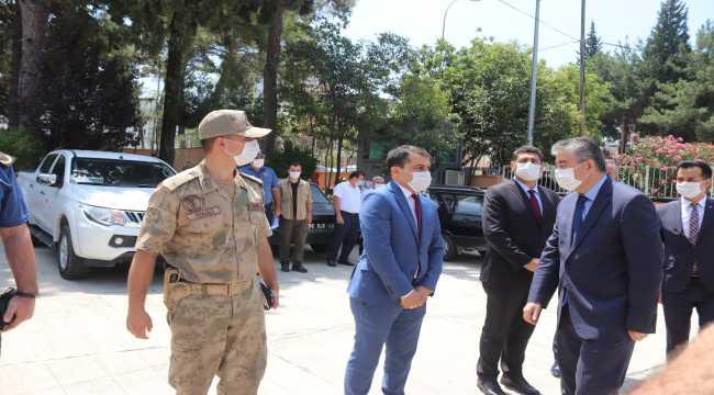 Osmaniye Valisi Yılmaz, Düziçi ilçesinde ziyaretlerde bulundu