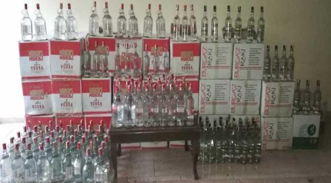 Antalya'da 1153 litre sahte içki ele geçirildi