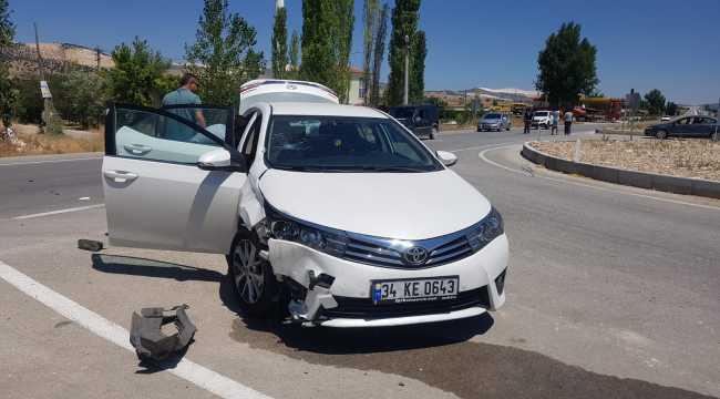Burdur'da otomobille motosiklet çarpıştı: 2 yaralı