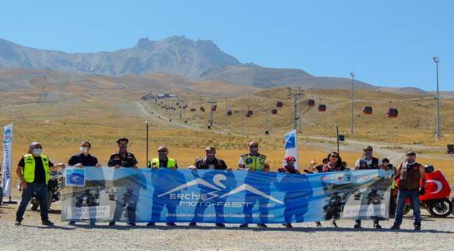 Erciyes Motosiklet Festivali'nde 30 Ağustos Zafer Bayramı kutlandı