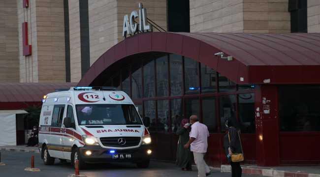 Kahramanmaraş'ta üzerine demir kapı devrilen çocuk öldü