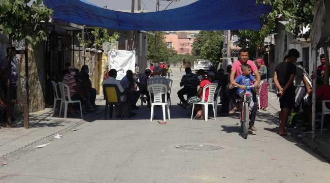 Adana'da boşanma aşamasındaki karısını bıçaklayarak öldüren zanlı kaçtı
