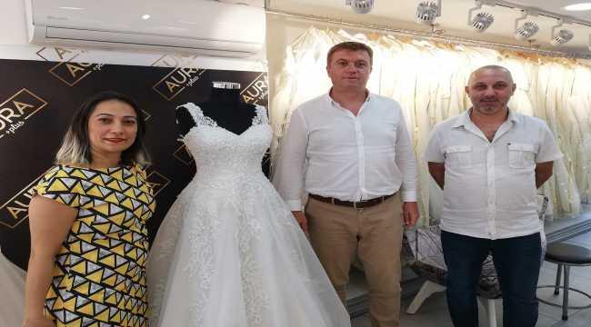 Adana'da evlenecek ihtiyaç sahibi genç kızlara ücretsiz gelinlik