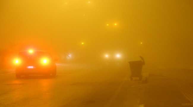 Adana'da sis trafiği ve hayatı olumsuz etkiledi