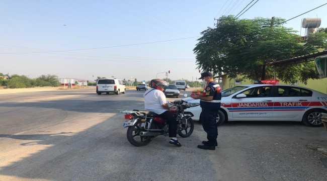 Adana'da trafik uygulamasında 195 sürücüye ceza yazıldı