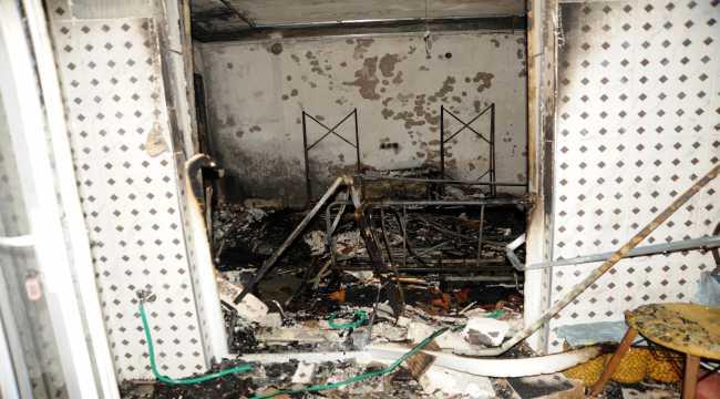 Antalya'da çıkan yangında, bir apartman dairesi yandı