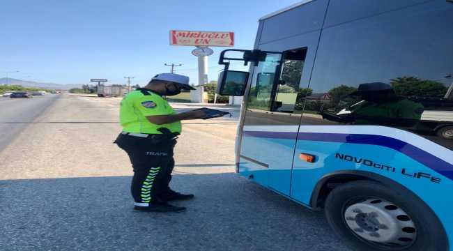 Hatay'da minibüslerde ayakta yolcu denetimi