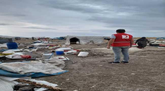 Türk Kızılay, toz fırtınasının yaşandığı Polatlı'da tarım işçilerinin ihtiyaçlarını karşıladı