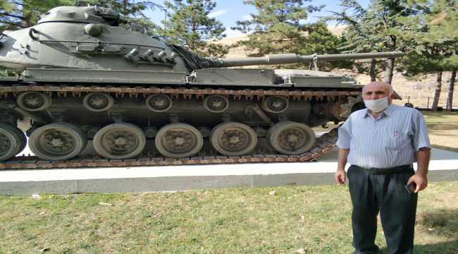 Yalvaç Belediyesine hediye edilen tank, ilgi görüyor