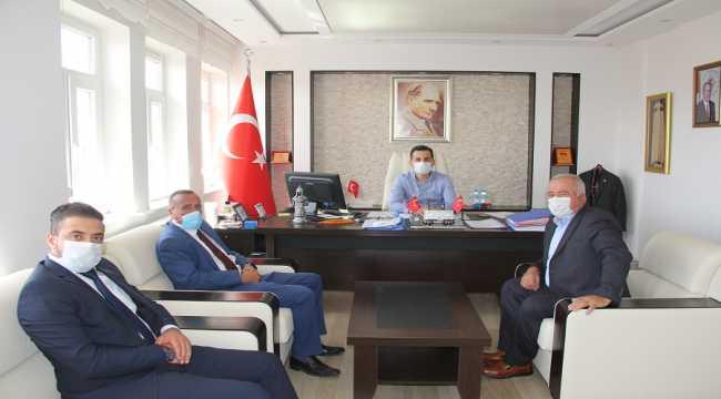 AK Parti Yalıhüyük İlçe Başkanı Pişkin'den Kaymakam Şahin'e ziyaret