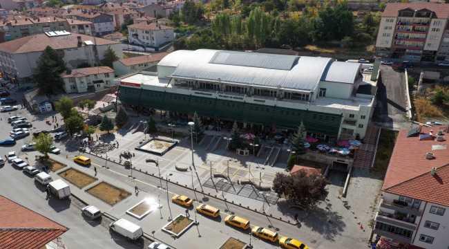 Akdağmadeni Ticaret ve Kültür Merkezin'de tadilat ve çevre düzenlemesi
