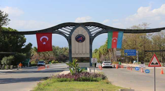 Akdeniz Üniversitesinden Azerbaycan'a