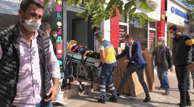 Alışveriş için gittiği mağazada asansör boşluğuna düşen kişi ağır yaralandı