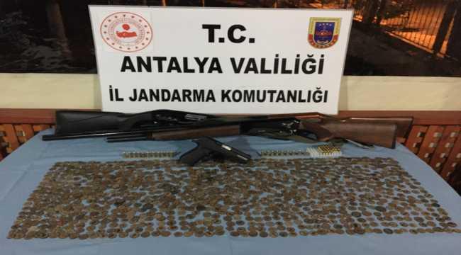 Antalya'da  1083 sikke ele geçirildi