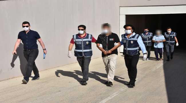 Antalya'da cinayet işledikleri gerekçesiyle aranan 2 kişi yakalandı