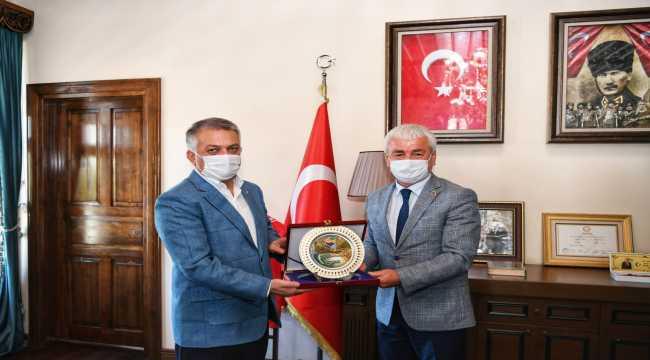 Antalya Valisi Ersin Yazıcı Finike'yi ziyaret etti
