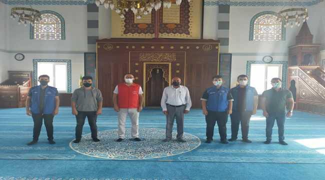 Cacabey Gençlik Merkezi üyeleri camileri ve itfaiyecileri ziyaret etti