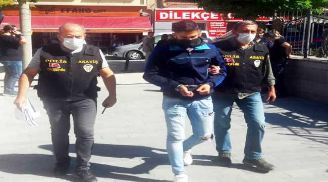 Eskişehir'de 2 otomobil çaldığı iddiasıyla aranan zanlı yakalandı