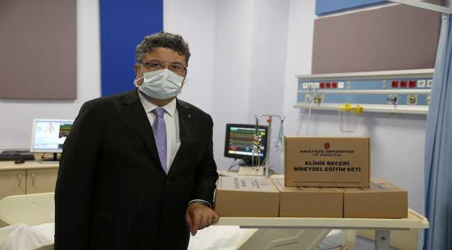 Hacettepe'den tıp öğrencilerinin klinik becerilerini evlerinde geliştirebilmesi için