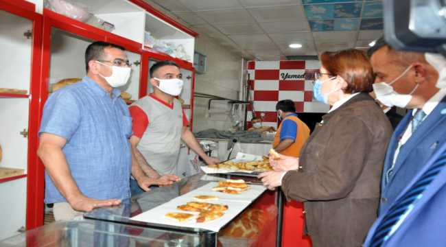 İYİ Parti Genel Başkanı Akşener, Yozgat'ta esnafla buluştu