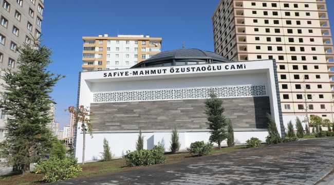 Kayseri'de Safiye-Mahmut Özustaoğlu Camisi ibadete açıldı