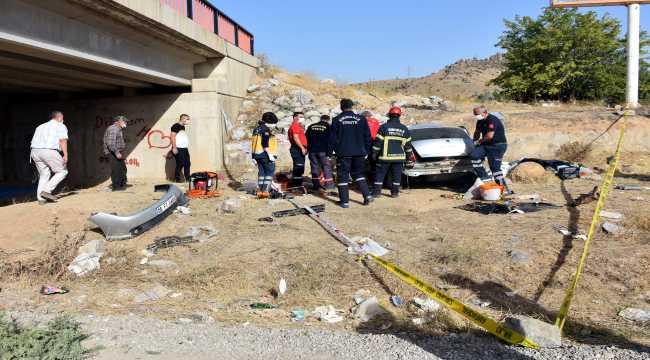 Kırıkkale'de köprüden düşen otomobilin sürücüsü öldü