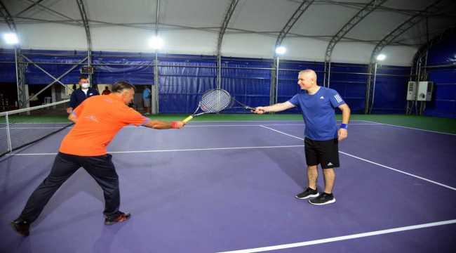 Kırşehir'de tenis turnuvası tamamlandı