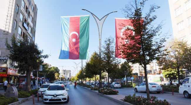 Kırşehir'den Azerbaycan'a bayraklı destek