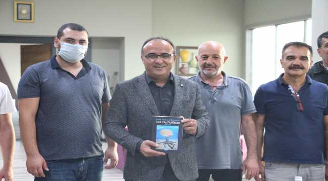 Prof.Dr. Şenol Kantarcı, yeni kitabını tanıttı