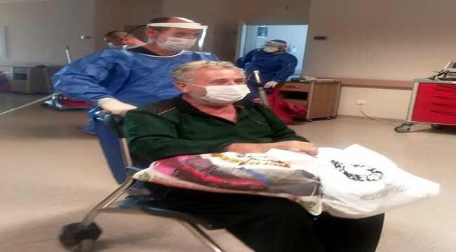 Sivas'ta Kovid-19'u yenen 3 yaşlı hastaneden alkışlarla uğurlandı