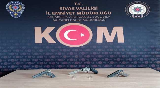 Sivas'ta silah kaçakçılığı operasyonunda 6 şüpheli yakalandı