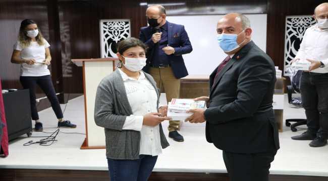 Yahşihan'da öğrencilere tablet dağıtıldı