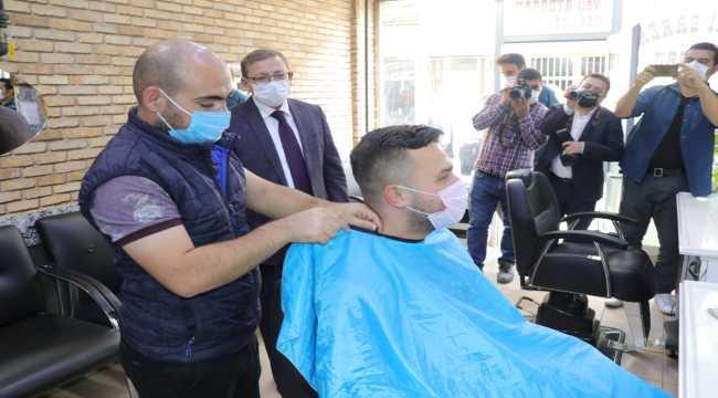 Yozgat'ta bazı caddelerde maske çıkartılıp sigara içilmesi yasaklandı
