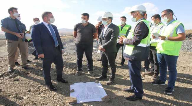 Yozgat Valisi Polat, hayvan hastanesi inşaatında incelemede bulundu