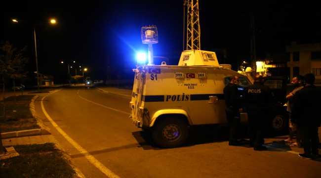 Adana'da silahlı saldırıya uğrayan iki kişi yaralandı
