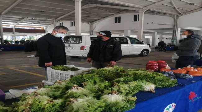 AK Parti İl Başkanı Çopuroğlu'ndan pazar esnafına ziyaret