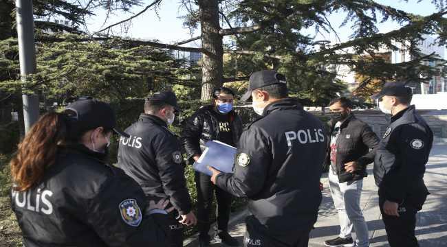 Ankara'da açık alanda sigara denetimi yapıldı
